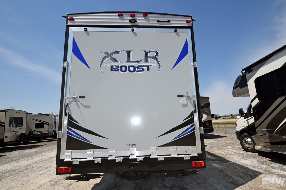 2017 Xlr Boost 36dsx13 Toy Hauler Fifth Wheel By Forest