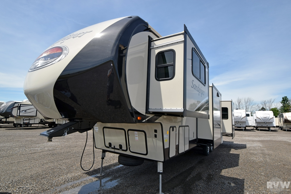2017 Sandpiper 377flik Fifth Wheel By Forest River Vin