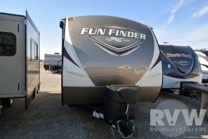 2017 Fun Finder Xtreme Lite 19RB by Cruiser RV