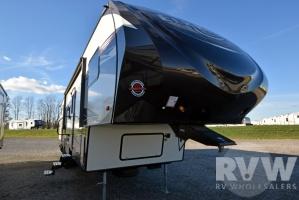 2017 Elkridge Express E326 by Heartland RV