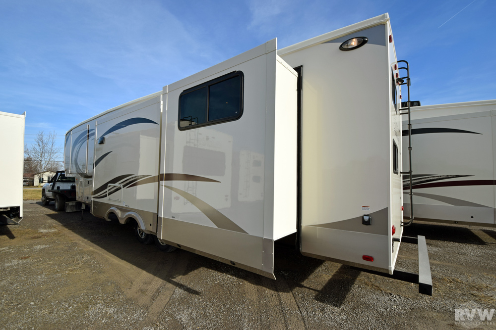 2020 Columbus Compass Series 374bhc Fifth Wheel By