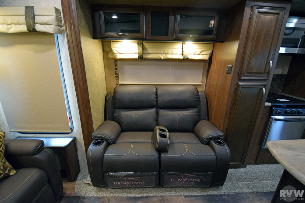 2018 Sandpiper 372lok Fifth Wheel By Forest River Vin