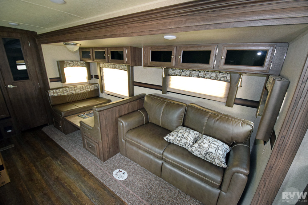 2018 Rockwood Ultra Lite 2902ws Travel Trailer By Forest