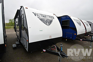 2018 Micro Minnie 2106DS by Winnebago