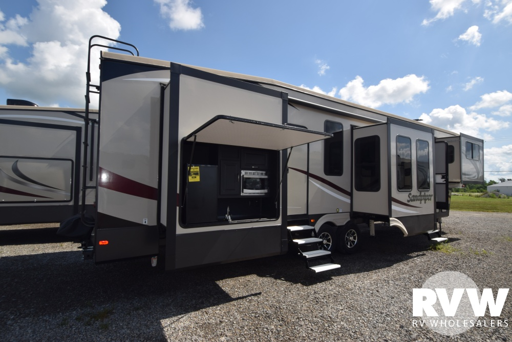 2019 Sandpiper 379flok Fifth Wheel By Forest River Vin