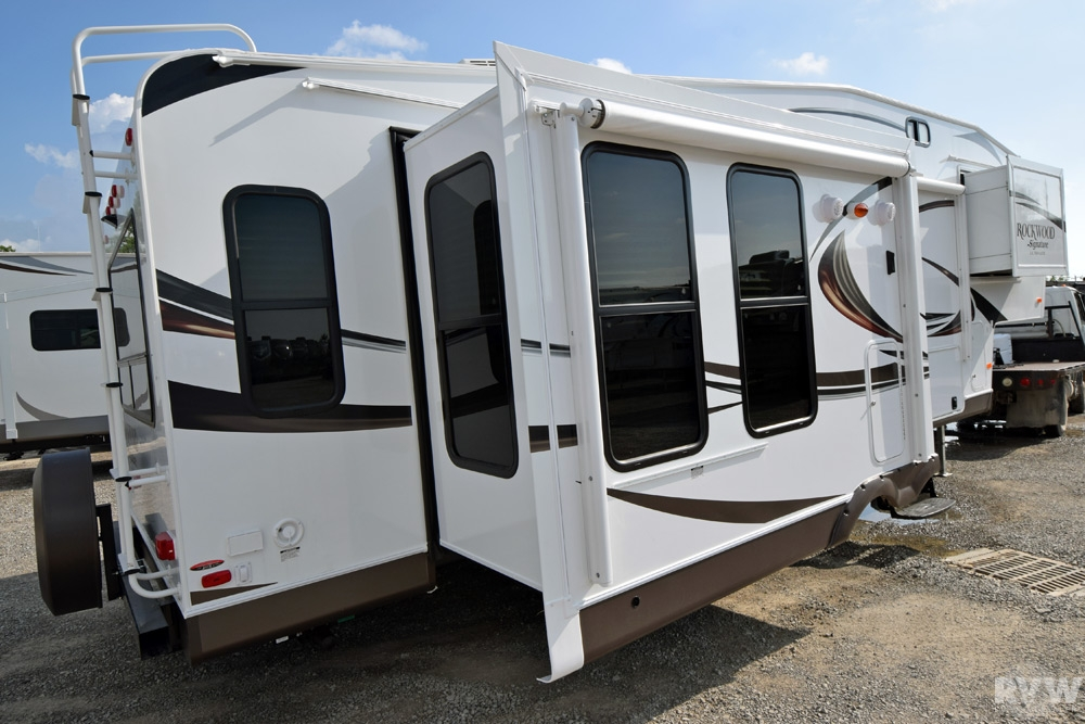 2015 Rockwood Signature Ultra Lite 8289ws Fifth Wheel By