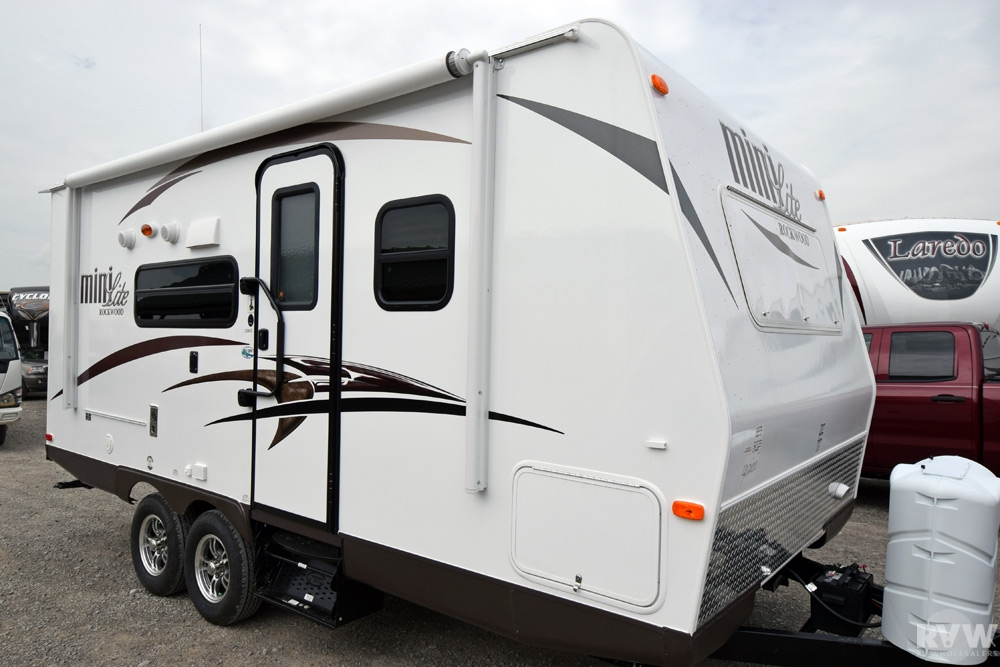 2015 Rockwood Mini Lite 2104S Travel Trailer by Forest ...