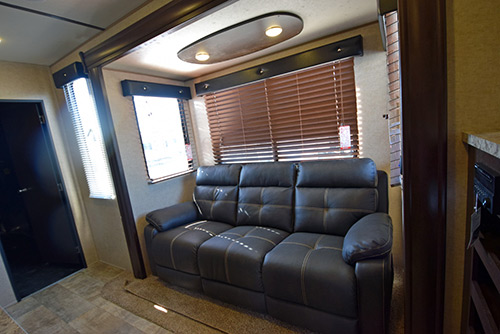 Forest River Rv Xlr Boost 29qbs Toy Hauler Travel Trailer