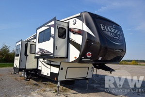 2016 Elkridge 40FLFS by Heartland RV
