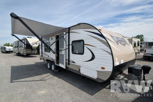 2017 Wildwood Xlite 241QBXL by Forest River