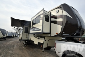 2017 Elkridge 40FLFS by Heartland RV