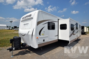 2017 Rockwood Signature Ultra Lite 8312SS by Forest River
