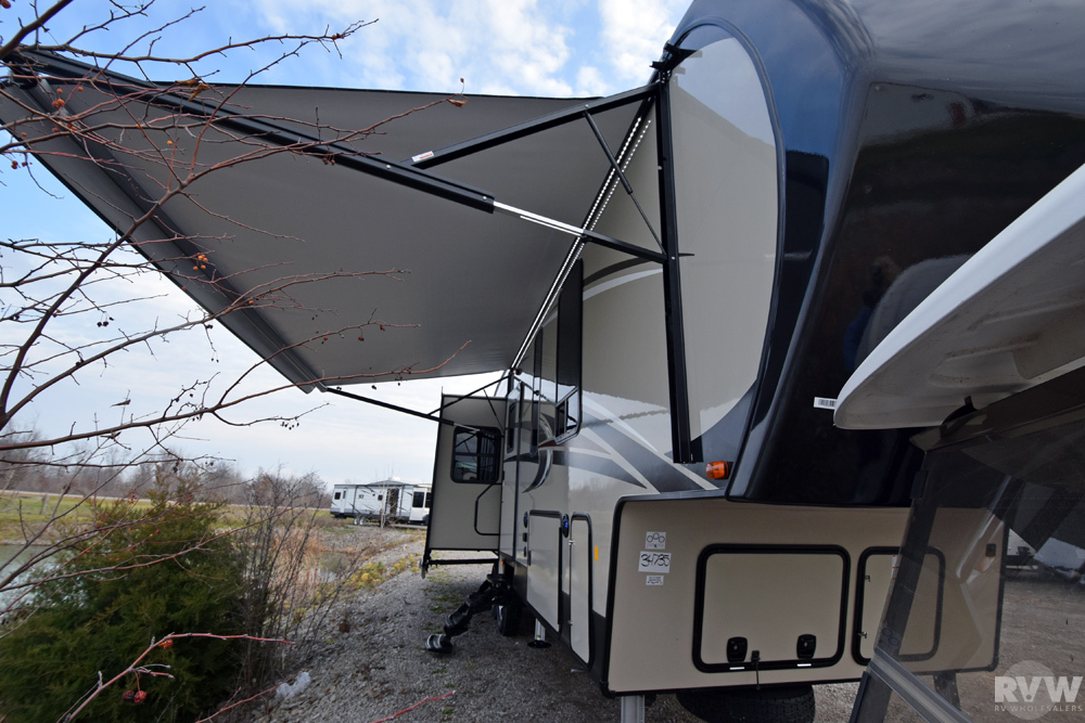 Click here to see the New 2017 Sandpiper 354RET Fifth Wheel by Forest River at RVWholesalers.com