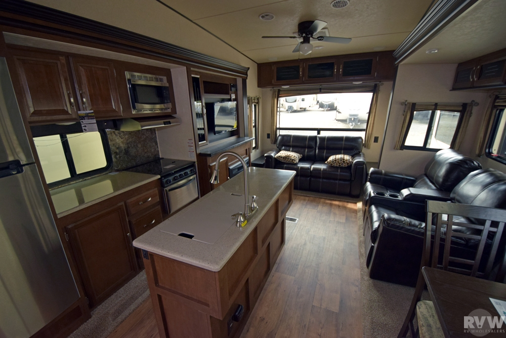 Click here to see the New 2017 Heritage Glen Lite 276RLIS Fifth Wheel by Forest River at RVNation.us