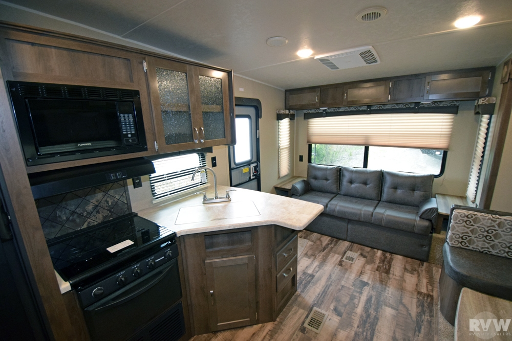 Click here to see the New 2017 Puma 253FBS Fifth Wheel by Palomino at RVWholesalers.com