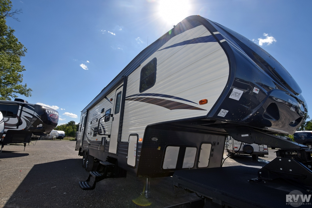 Click here to see the New 2017 Puma 351THSS Toy Hauler Fifth Wheel by Palomino at RVWholesalers.com