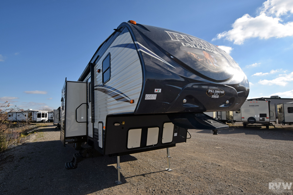 Click here to see the New 2017 Puma 359THKS Toy Hauler Fifth Wheel by Palomino at RVWholesalers.com