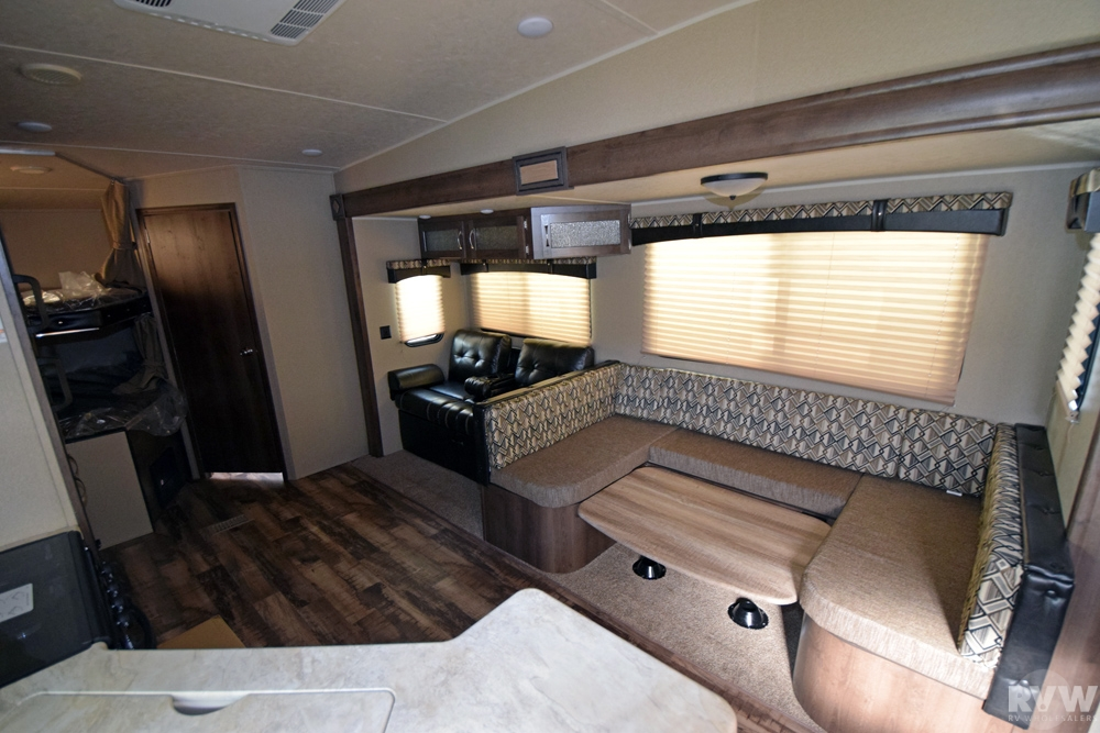 Click here to see the New 2017 Puma 286RBSS Fifth Wheel by Palomino at RVWholesalers.com