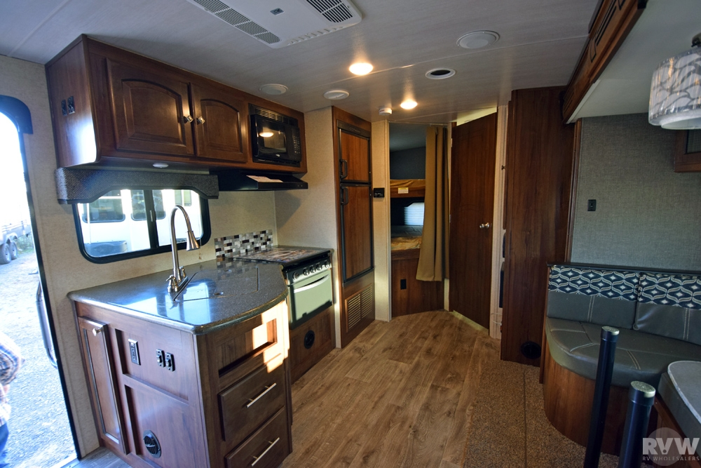 Click here to see the New 2017 North Trail 24BHS Travel Trailer by Heartland RV at RVWholesalers.com