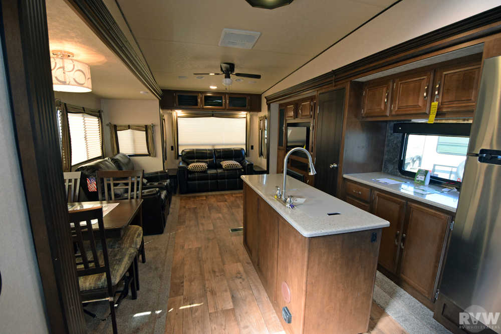 Click here to see the New 2017 Heritage Glen Lite 337BAR Fifth Wheel by Forest River at RVNation.us