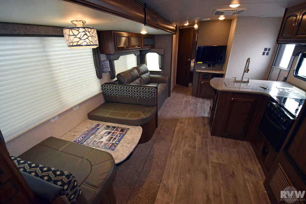Click here to see the New 2018 North Trail 33BUDS Travel Trailer by Heartland RV at RVWholesalers.com