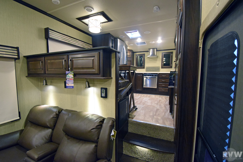 2017 Palomino Columbus 386fk Fifth Wheel The Real