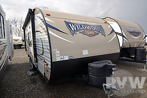 2017 Wildwood XLite 201BHXL by Forest River