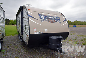 2018 Wildwood XLite 201BHXL by Forest River