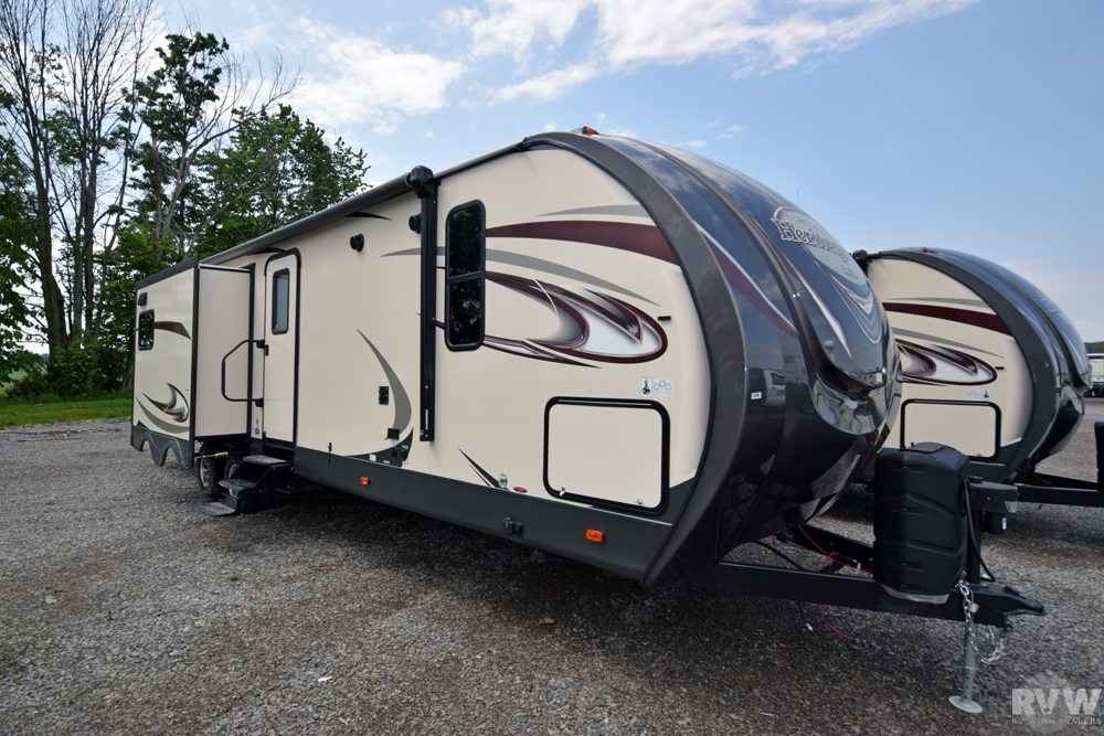 Click here to see the New 2018 Heritage Glen Lite 300BH Travel Trailer by Forest River at RVWholesalers.com