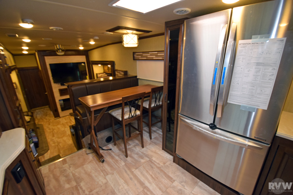 2018 Palomino Columbus 386fk Fifth Wheel The Real