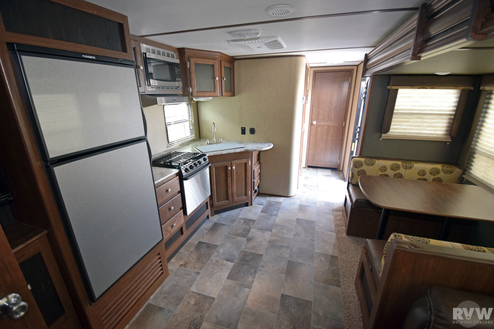 Click here to see the New 2018 Sprinter Campfire 33BH Travel Trailer by Keystone RV at RVWholesalers.com