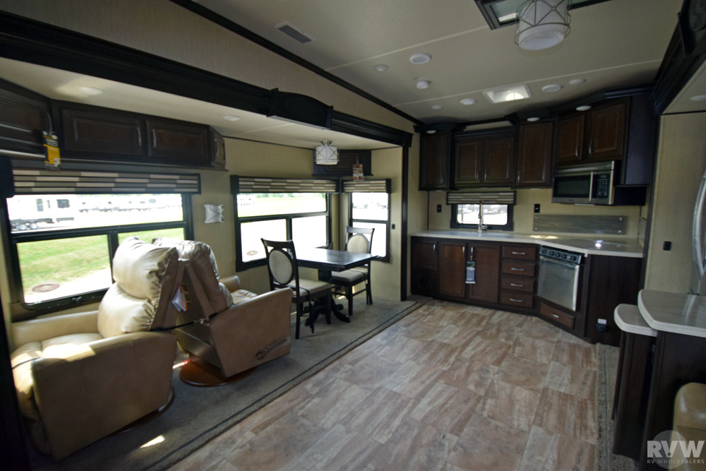 Click here to see the New 2018 Columbus 340RK Fifth Wheel by Palomino at RVWholesalers.com