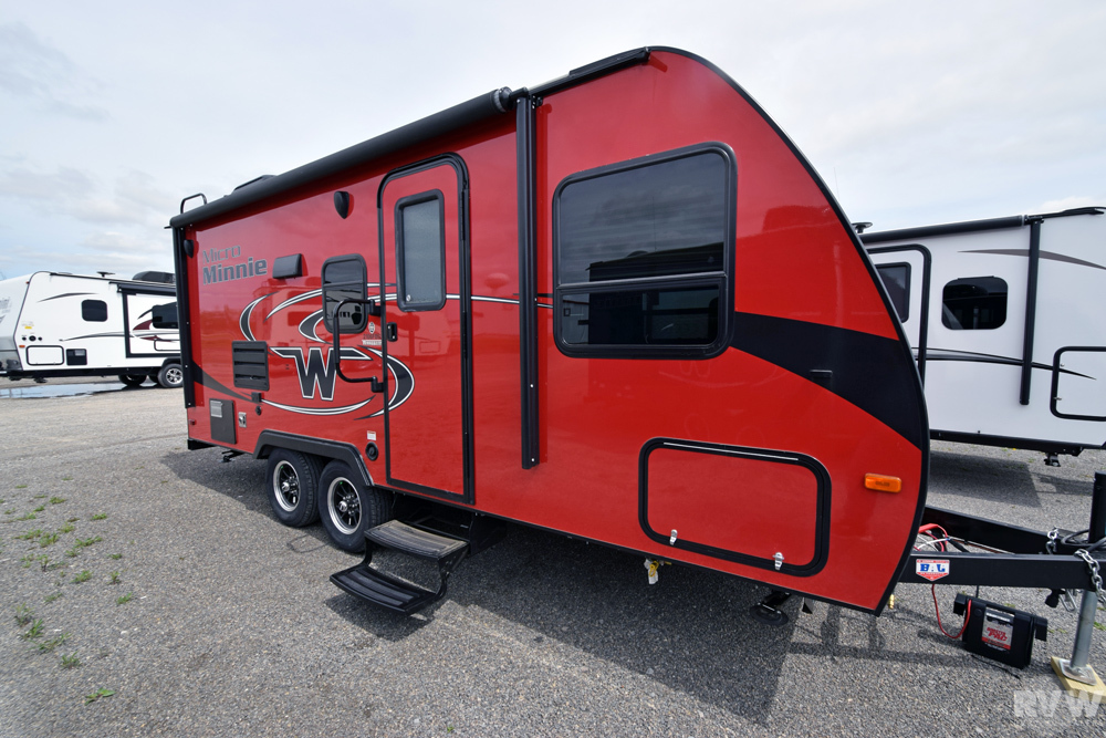 Click here to see the New 2018 Micro Minnie 2106FBS Travel Trailer by Winnebago at RVNation.us