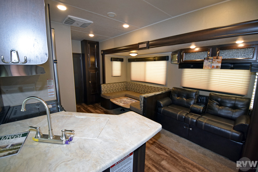 Click here to see the New 2018 Puma 351THSS Toy Hauler Fifth Wheel by Palomino at RVWholesalers.com