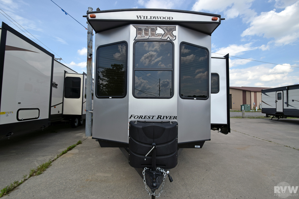 Click here to see the New 2018 Wildwood DLX 39FDEN Park Trailer by Forest River at RVWholesalers.com