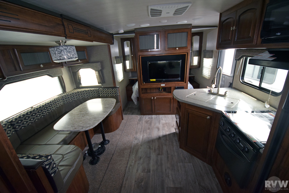 Click here to see the New 2018 North Trail 24BHS Travel Trailer by Heartland RV at RVNation.us