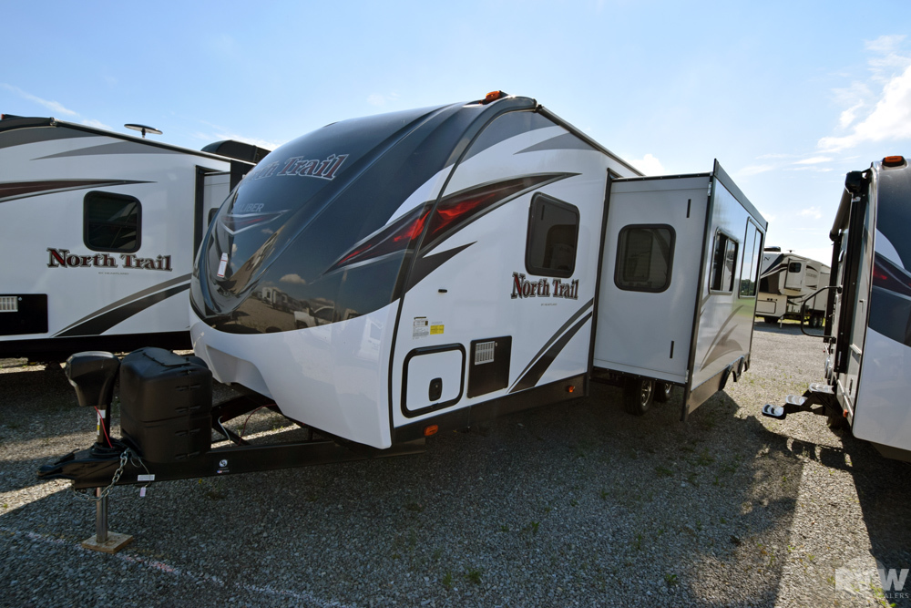 Click here to see the New 2018 North Trail 26DBSS Travel Trailer by Heartland RV at RVNation.us