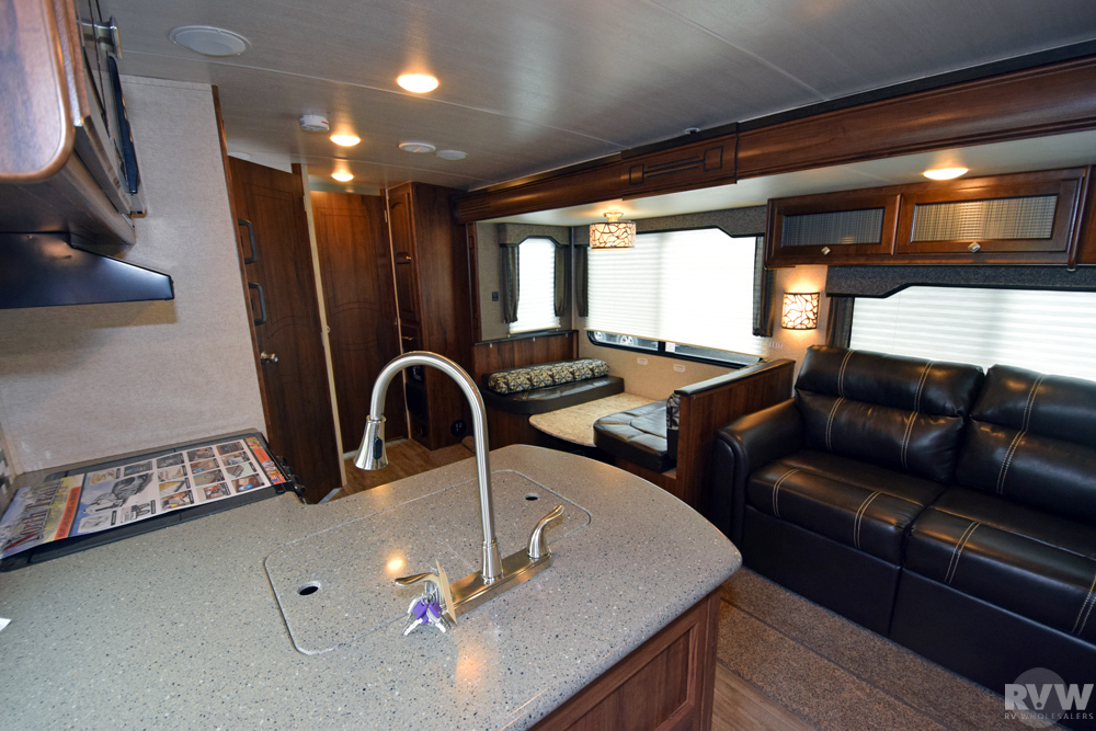 Click here to see the New 2018 North Trail 33BUDS Travel Trailer by Heartland RV at RVNation.us