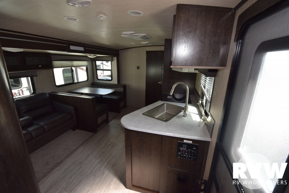 Click here to see the New 2018 Shadow Cruiser 289RBS Travel Trailer by Cruiser RV at RVWholesalers.com