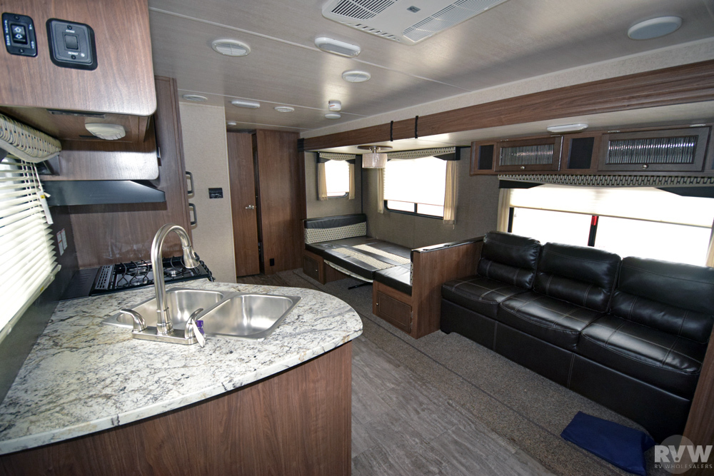 Click here to see the New 2018 Trail Runner 30ODK Travel Trailer by Heartland RV at RVWholesalers.com