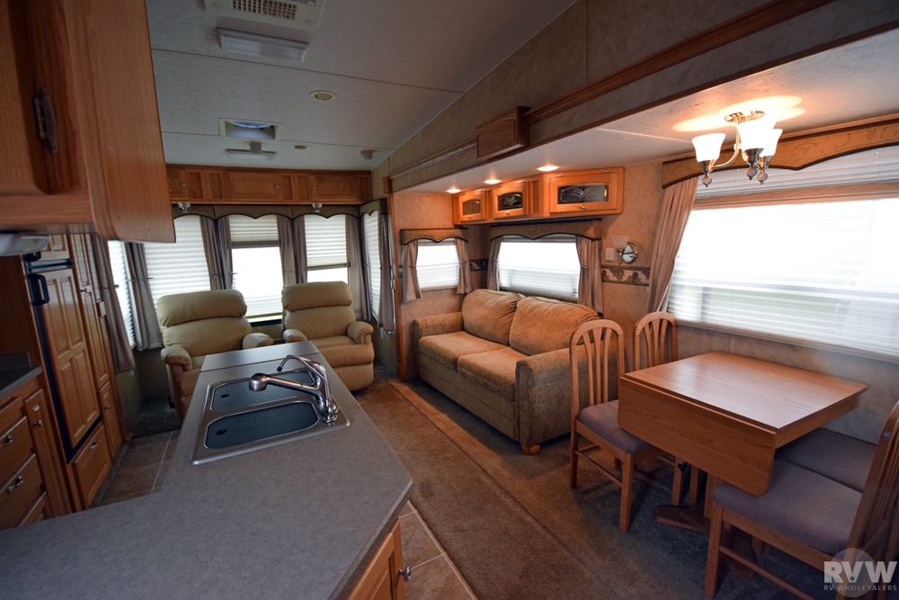2008 Winnebago Sunnybrook Titan 31bwks Fifth Wheel The