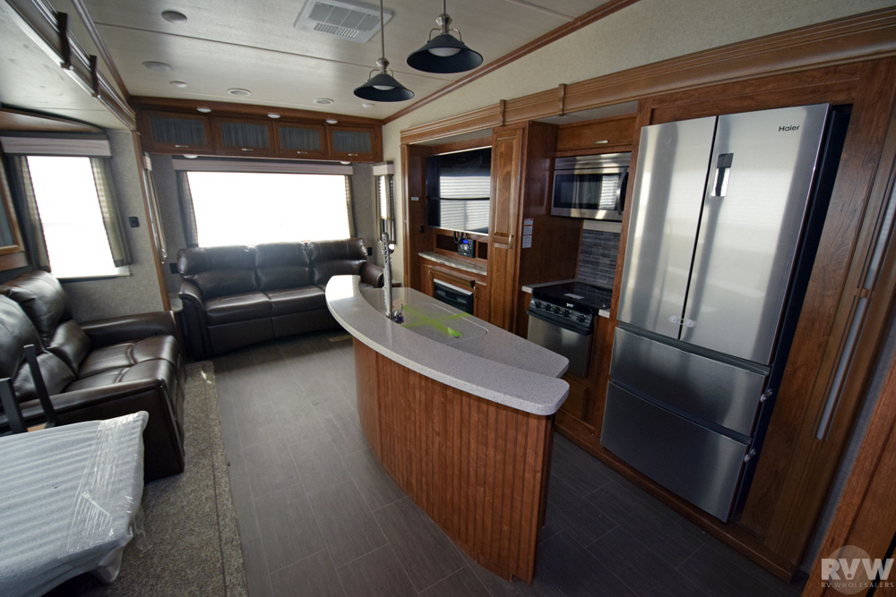 Click here to see the New 2018 Sundance 2890CC Fifth Wheel by Heartland RV at RVWholesalers.com