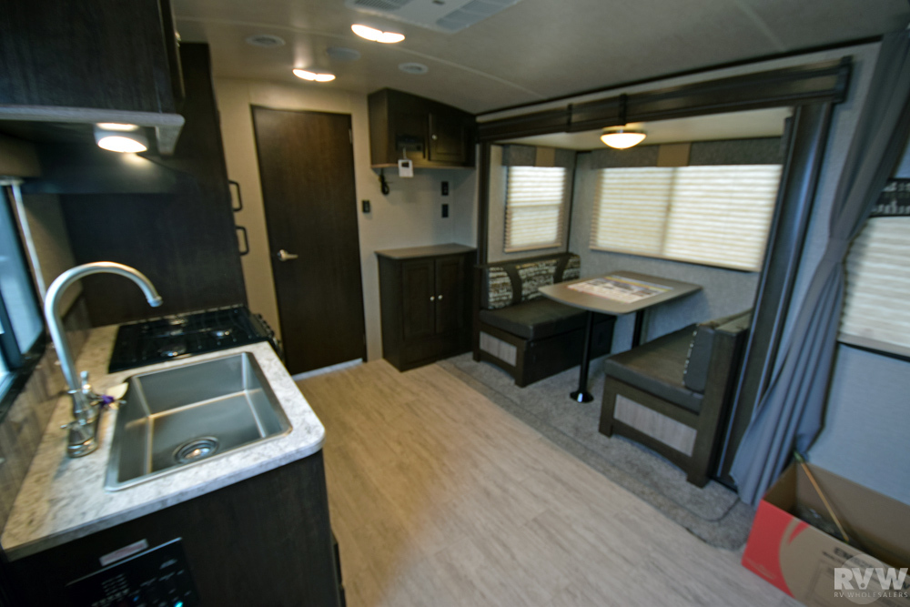 Click here to see the New 2018 Shadow Cruiser 193MBS Travel Trailer by Cruiser RV at RVWholesalers.com