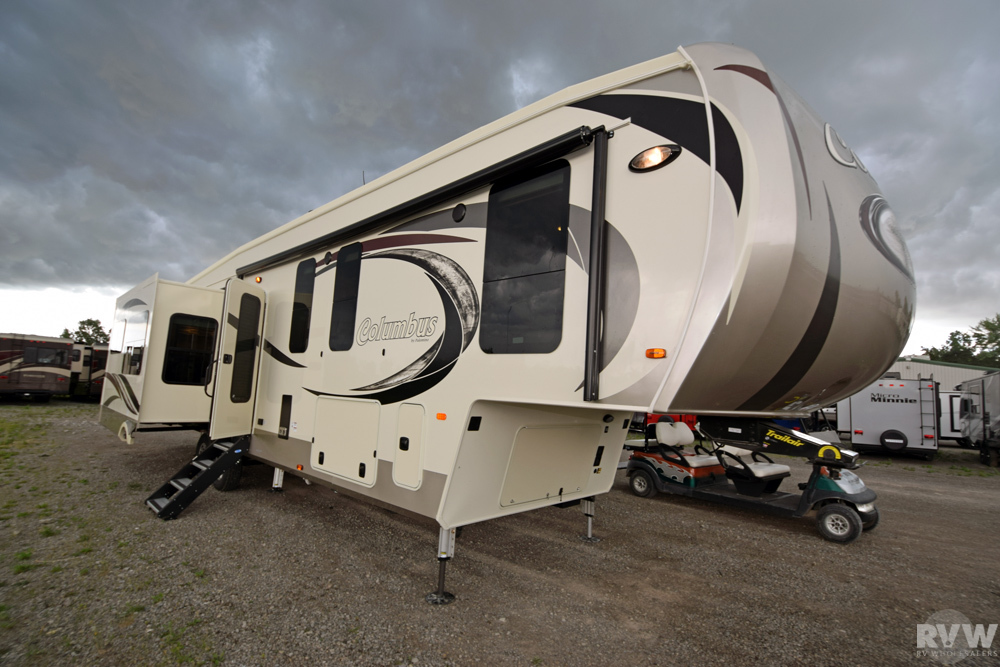 New 2018 Columbus 377mb Fifth Wheel By Palomino At