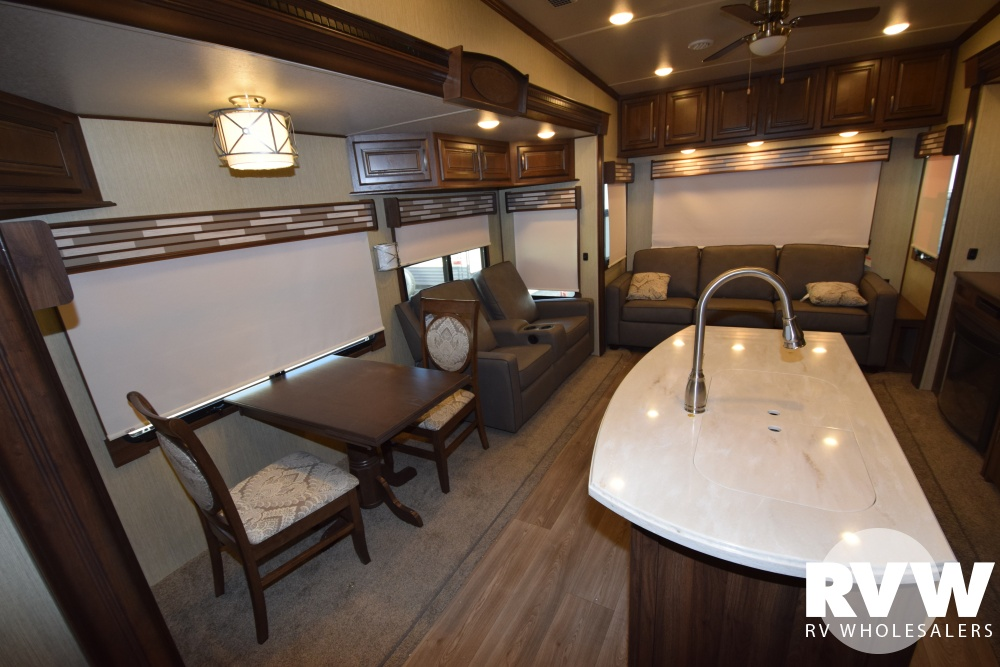 Click here to see the New 2018 Columbus 383FB Fifth Wheel by Palomino at RVWholesalers.com