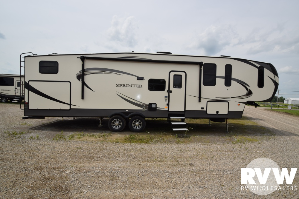 Click here to see the New 2018 Sprinter 326FWBHS Fifth Wheel by Keystone RV at RVWholesalers.com
