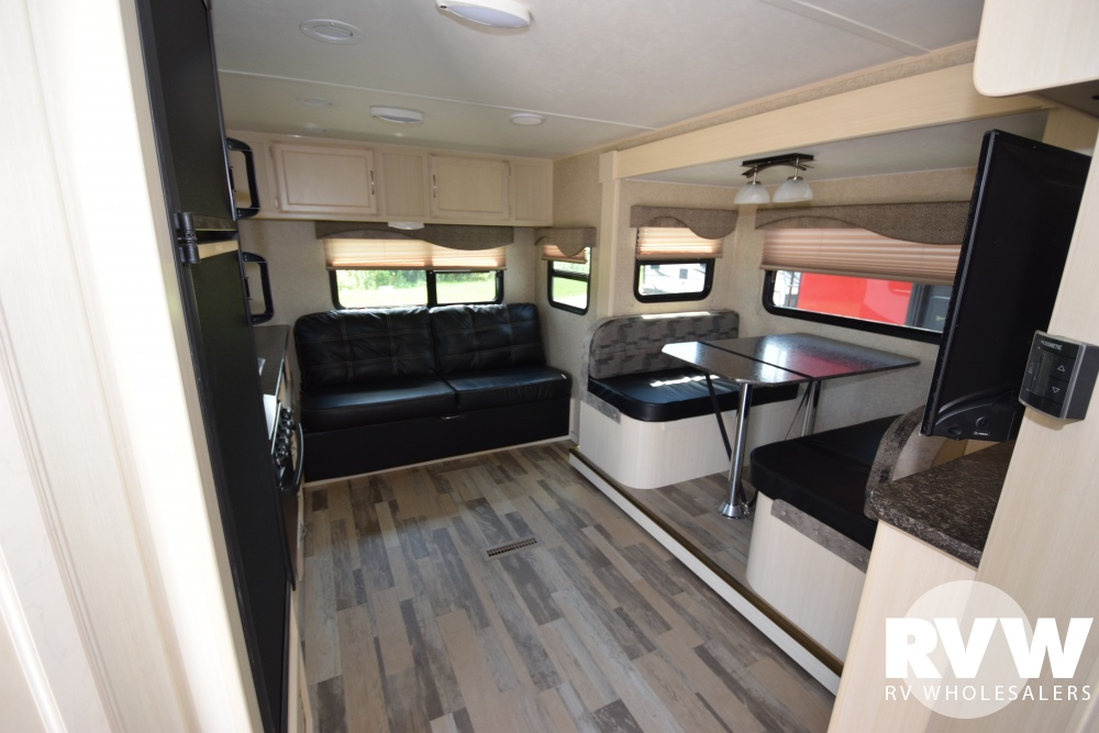 Click here to see the New 2018 Minnie 2500RL Travel Trailer by Winnebago at RVNation.us
