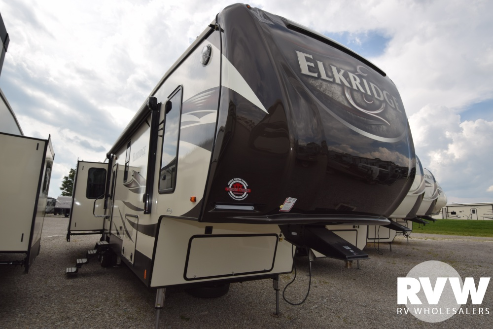 Click here to see the New 2018 Elkridge 39MBHS Fifth Wheel by Heartland RV at RVWholesalers.com