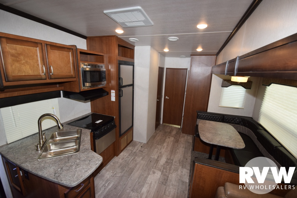 Click here to see the New 2018 Elkridge Express E326 Fifth Wheel by Heartland RV at RVWholesalers.com