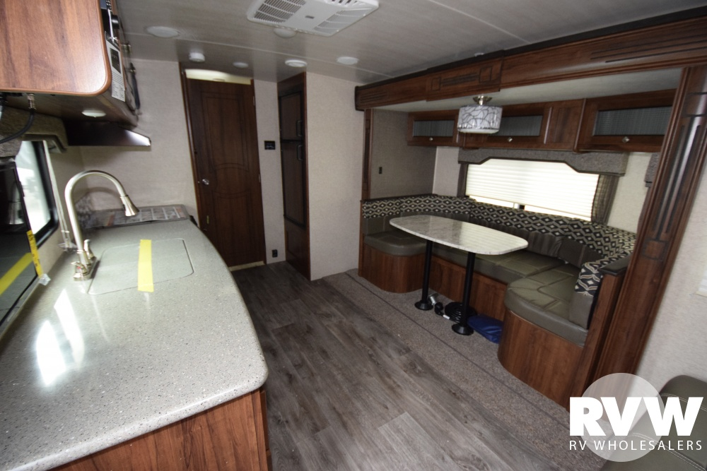 Click here to see the New 2018 North Trail 22FBS Travel Trailer by Heartland RV at RVWholesalers.com